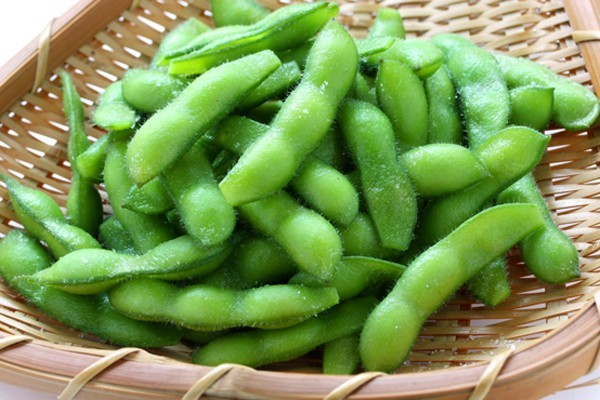 Edamame / Soy beans | Naked Food Magazine