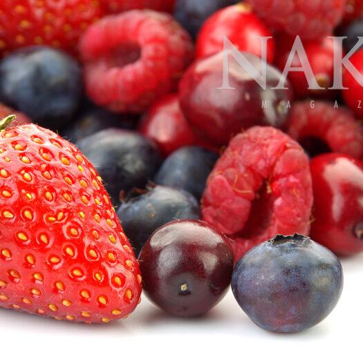 Superfoods: Berries @NakedFoodMagazine.com