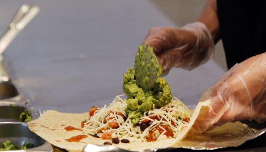 Chipotle says no to serving genetically modified foods