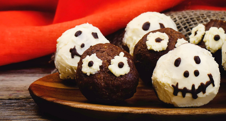 Whole-oween Mummy Truffles