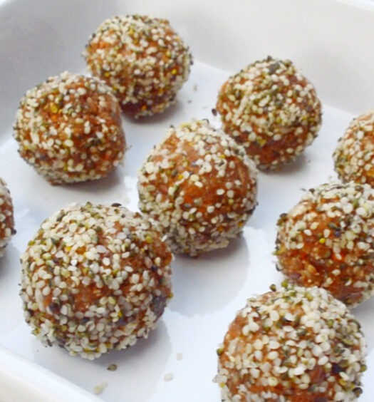 5-Minute Carrot Truffles | Naked Food Magazine